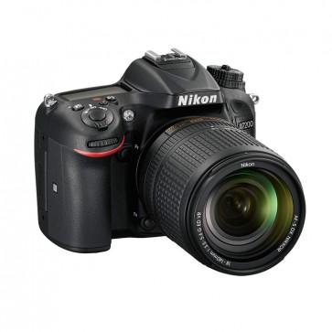 Nikon D7200 + Lente 18-140 mm perfil