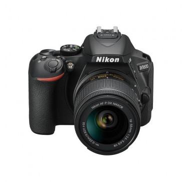 Nikon D5600 + Lente AF-P 18-55MM F/3.5-5.6 VR  1