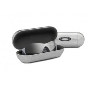 Estuche Oakley Large Metal Valut