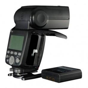 con un poderoso número de guía de 60 'a ISO 100 y 200mm, así como un rango de zoom de 20-200mm con un difusor extraíble disponible para una cobertura de 14mm 1